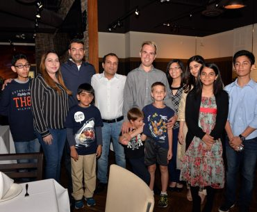 Foodies R Us teams up with Chef Sanjeev Kapoor's Khazana in Milton for the nation' first Food Mob!
